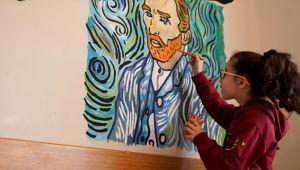 Öğrenciler ve Öğretmenler Okullarına 'Renk' Kattı
