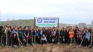 Gebze'de Lise Öğrencileri 250 Fidanı Toprakla Buluşturdu
