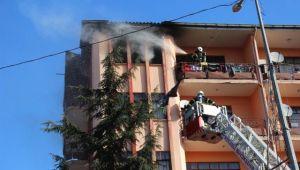 Yangında İki Ev Kullanılamaz Hale Geldi