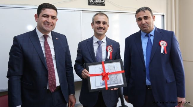 Başkan Çiftçi'ye Diploma Süprizi