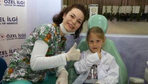Çocuklara Ücretsiz Diş Muayenesi Yapıldı