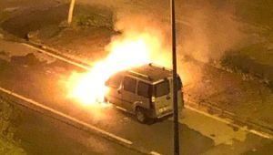 Seyir Halindeyken Alevlere Teslim Olan Araç Ateş Topuna Döndü