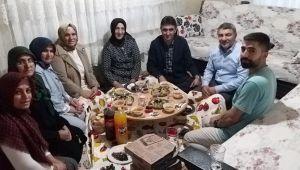 Başkan Şayir, İlk Çat Kapı İftarını Şehit Ailesiyle Açtı