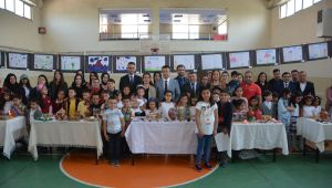 Başkan Şayir, Öğrencilerin Sergisini Gezdi