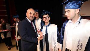 Büyükgöz, Özel çocuklara diplomalarını verdi