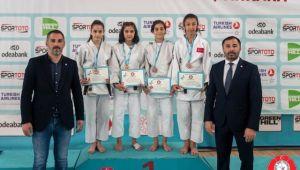 Kağıtsporlu Judocular, Türkiye Şampiyonasından 16 Madalya ile Döndü