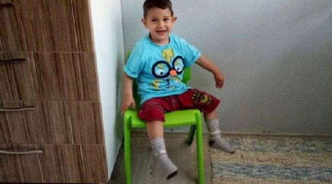 Minibüsün çarptığı küçük çocuk hayatını kaybetti