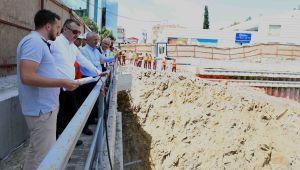 Başkan Büyükakın, Metro inşaatını inceledi