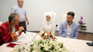 Başkan Çiftçi, Polat ve Aktaş çiftinin nikahını kıydı