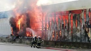 Gebze'de depo yangını!