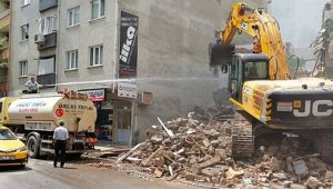 Gebze'de güvenlik önlemi almadan yıkım yaptılar