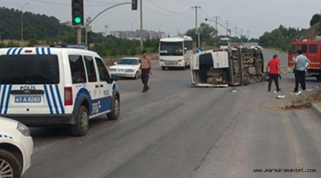 Gebze'de işçileri taşıyan minibüs devrildi! 9 Yaralı