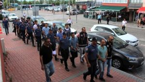 FETÖ'den gözaltına alınan askerler adliyeye sevk edildi