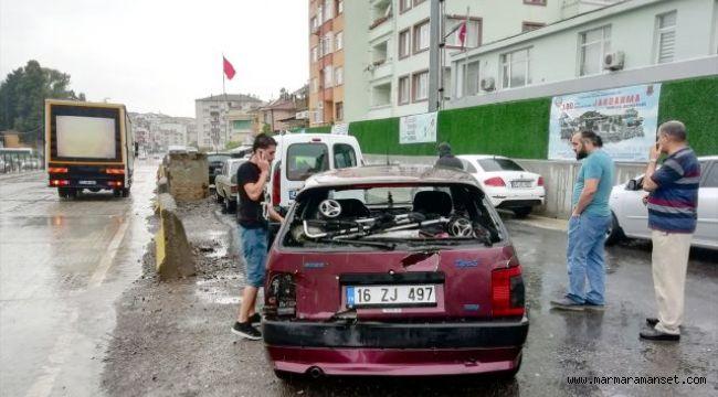 Kamyonla otomobil çarpıştı: 2 yaralı