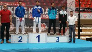 Karatecilerden 6 Türkiye derecesi