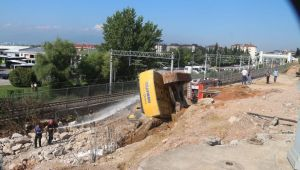 Tramvay yolu inşaatında kaza!