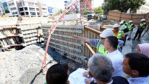 Başkan Büyükakın, metro çalışmalarını yakından takip ediyor