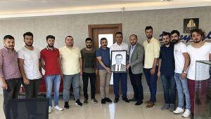 CHP'li gençler başkan adaylarına gitti