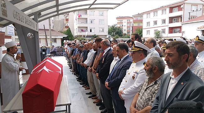 Kansere yenik düşen Gebzeli Kıbrıs gazisi toprağa verildi