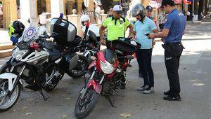 Motosikletler tek tek kontrol edildi!