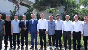 Protokol Gebzespor'u ziyaret etti
