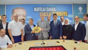 AK Dilovası'ndan Ellibeş'e Hayırlı Olsun Ziyareti