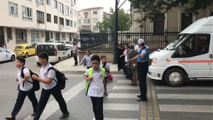 Okulların ilk gününde Büyükşehir Zabıta görev başında