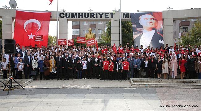 Darıca'da Cumhuriyet Bayramı kutlandı
