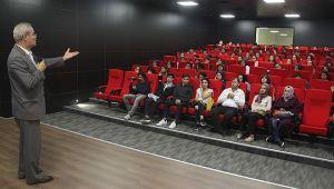 Öğrenciler Fatih Sultan Mehmet Han'ı dinledi