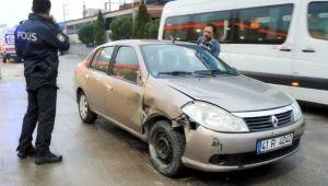 Uyuyan sürücü, 2 kişiye çarptı