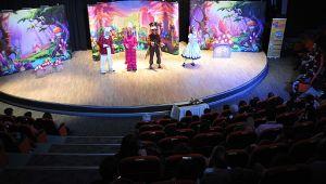 Darıcalı çocuklar tiyatro ile mutlu oluyor