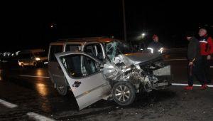 Gebze de trafik kazası araç kamerasına yansıdı