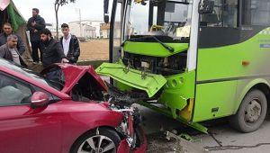 Rahatsızlanan sürücü, halk otobüsüne çarptı