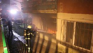 Zemin katta yangın çıktı, komşular dumandan etkilendi!