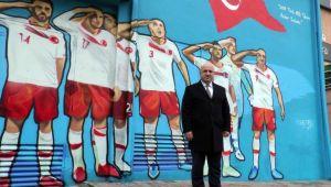 Milli Takım'ın asker selamı Darıca'da ölümsüzleştirildi