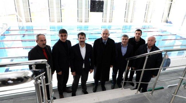 Genel Sekreter Gündoğdu'dan Dilovası Yarı Olimpik Yüzme Havuzu'na inceleme