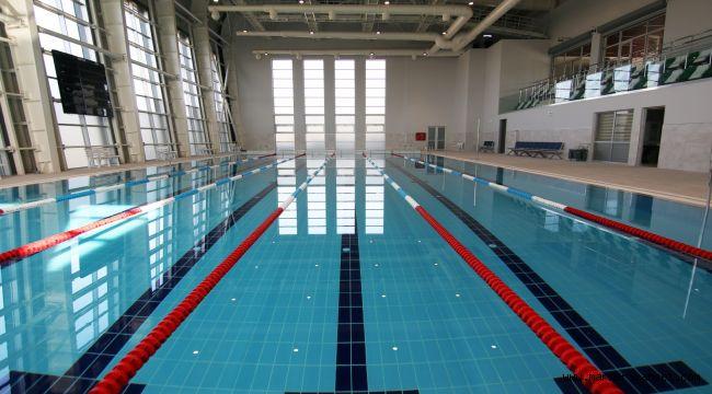 Dilovası'nın ilk yüzme havuzu hizmete açıldı