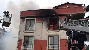 Yangında mahsur kalan 5 kişi ölümden döndü!