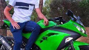 Kazada yaralanan motosikletli genç hastanede yaşamını yitirdi