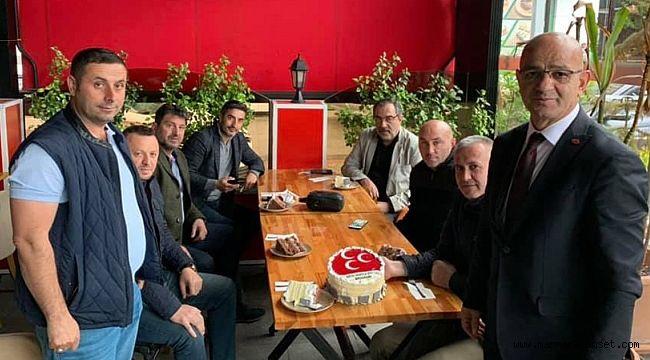 Ünlü'ye sürpriz doğum günü
