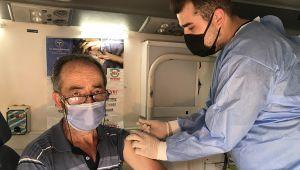 Kocaeli'de 'mobil aşı ekipleri' binlerce kişiyi aşıladı