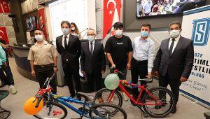 Gençlere hediye bisiklet